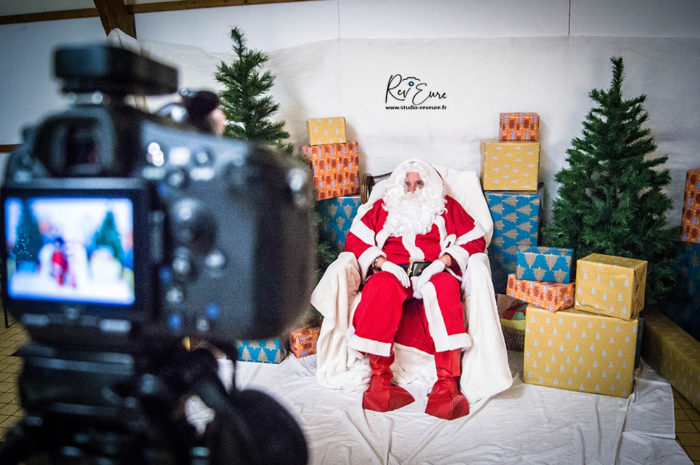 VIDEO TEASER STUDIO – Stand Photographe avec le Père Noël (27) | Studio Rev'Eure